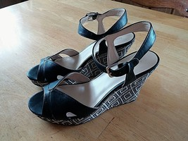 "Nine West Ladies 4.25"" Fabric Wedge Strappy SHOES-8.5M-GENTLY WORN-CUTE - $8.99"