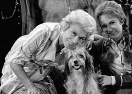 Petticoat Junction Bea Benaderet Jeannine Riley with dog Higgins 5x7 inc... - $5.75