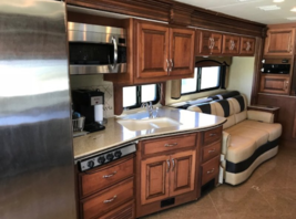 2013 Fleet wood Discovery 40X for sale by Owner - Curtice, OH 47906 image 11