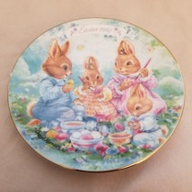 """AVON """"COLORFUL MOMENTS"""" 1992 EASTER PLATE PORCELAIN TRIMMED WITH 22K GOL... - $2.97"""