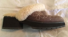 Ugg Australia Hampton Red Leather Sheepskin Clogs Mules #5464 Women Size 5 - $733,29 MXN