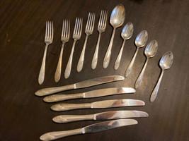 Vintage Tudor Plate Oneida Community Queen Bess II Flatware Set - 15 Pieces - $31.79