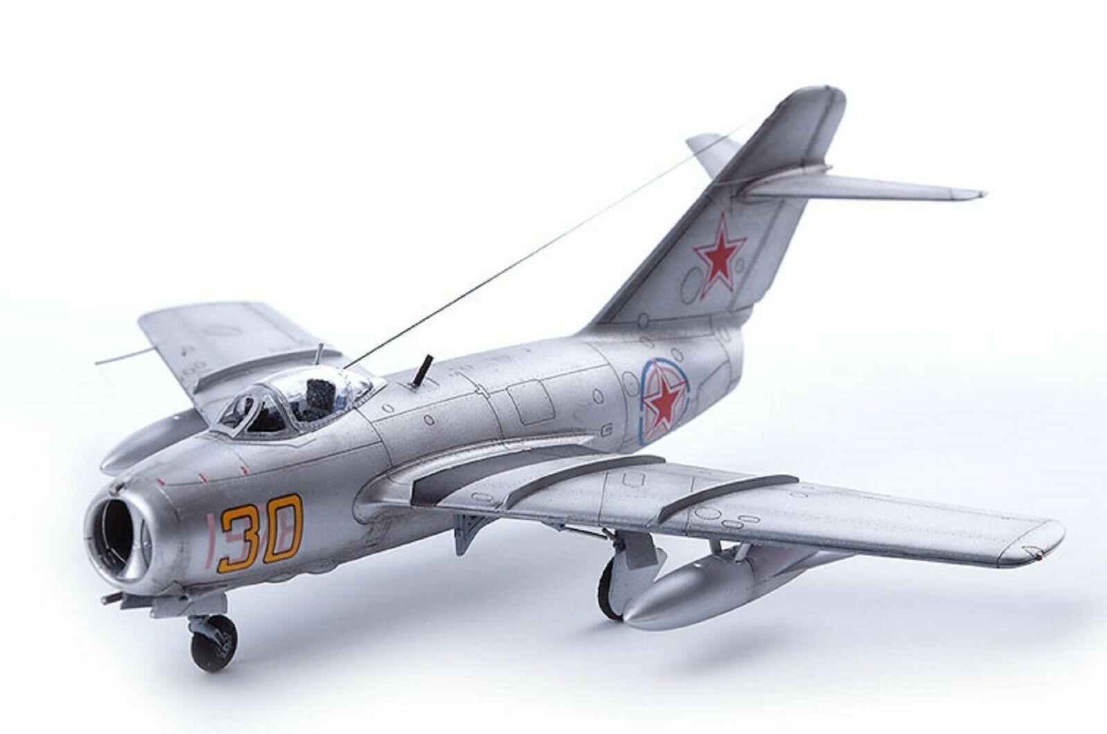 Academy 12566 1:72 MiG-15bis Korean War Air Forces Plamodel Plastic Hobby Model