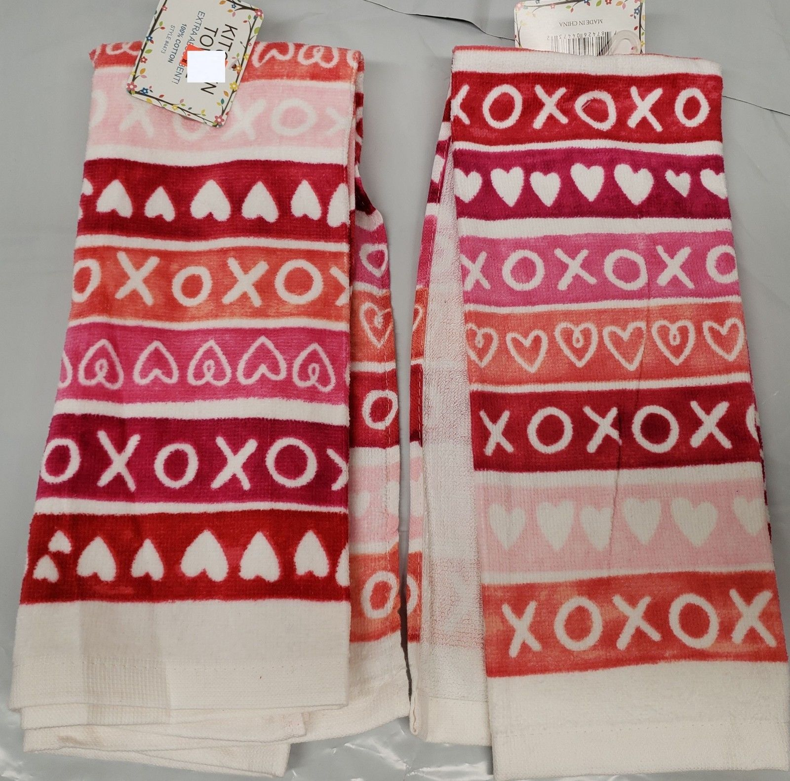 "Primary image for SET of 2 SAME PRINTED KITCHEN TOWELS (15"" x 25"") LOVE HEARTS, XOXO DESIGN by AM"