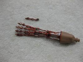 Terminator 2 T-800 Battle Damaged Arm MMS 117 1/6th - Hot Toys BROKEN FI... - $29.02