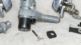 Mercedes 560SEC W107 R107 Door Handle Handles Set L&R w/ Key image 6