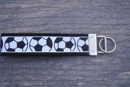 Soccer Wristlet Key For Key Chain Wrist Strap-Soccer Keychain - €8,26 EUR