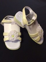 NWT Gymboree Petit Four 7 Toddler Green White Flower Sandals Shoes Easte... - $12.89