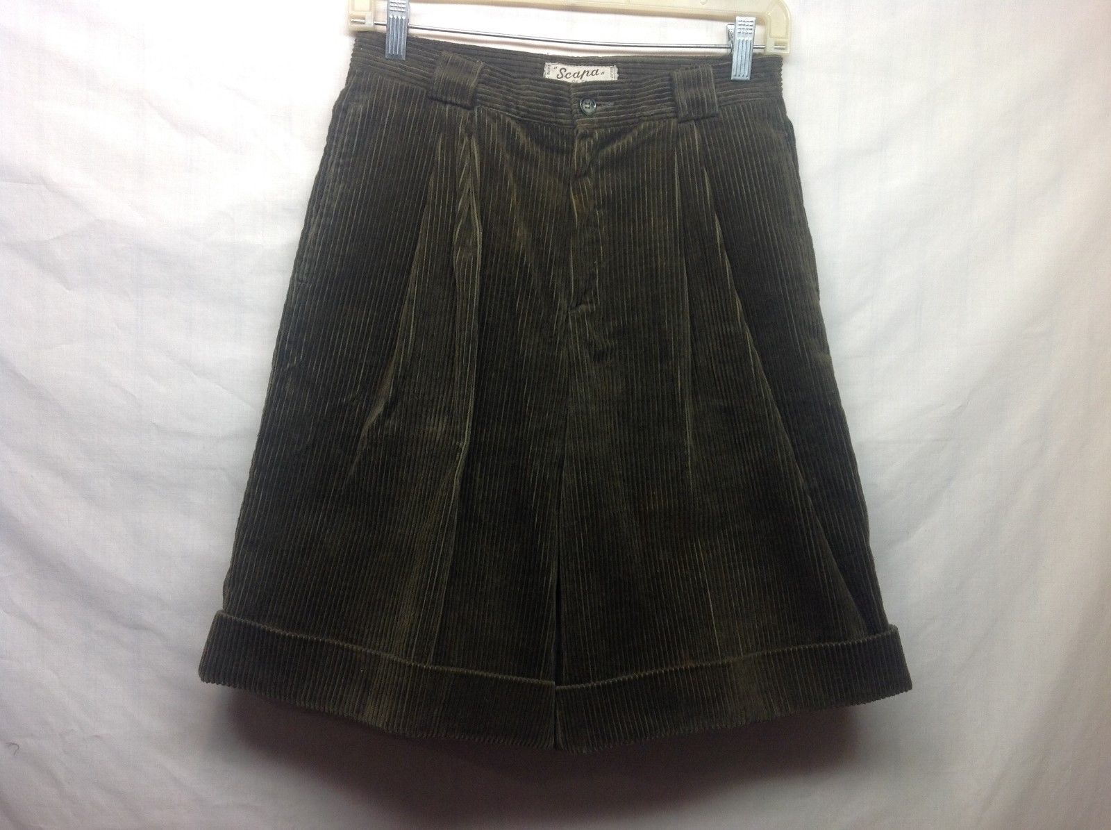 Scapa of Scotland Green Cuffed Corduroy Shorts Sz 14