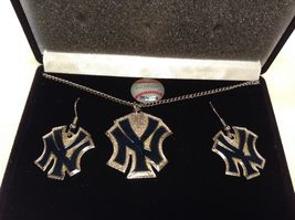NEW MLB NY Yankees Gold Silver Necklace & Earring Set image 3