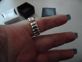 Avon Genuine Mother of Pearl Disc Ring Teal stretch expandable band image 3