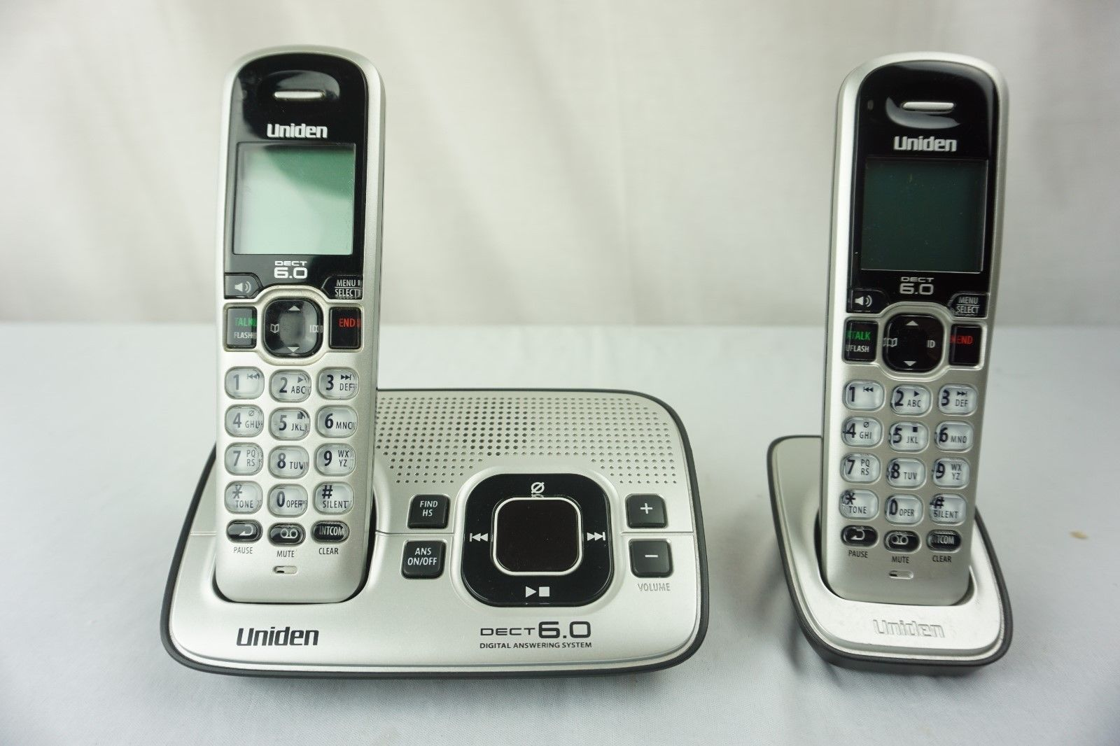 Uniden D1680-3 DECT 6.0 Cordless Phone Answering System 3 Handsets Expandable image 2