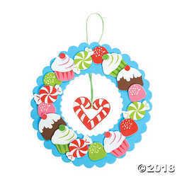 Fun Express Holiday Sweet Treat Wreath Craft Kit