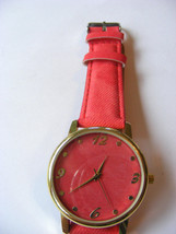 GENEVA PLATINUM RED DENIM LOOK STRAP BAND RED DENIM FACE GOLD BEZEL WRIS... - $6.92