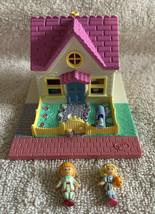 Vintage Polly Pocket Cozy Cottage 1993 Bluebird 100% Complete Pollyville - $34.99