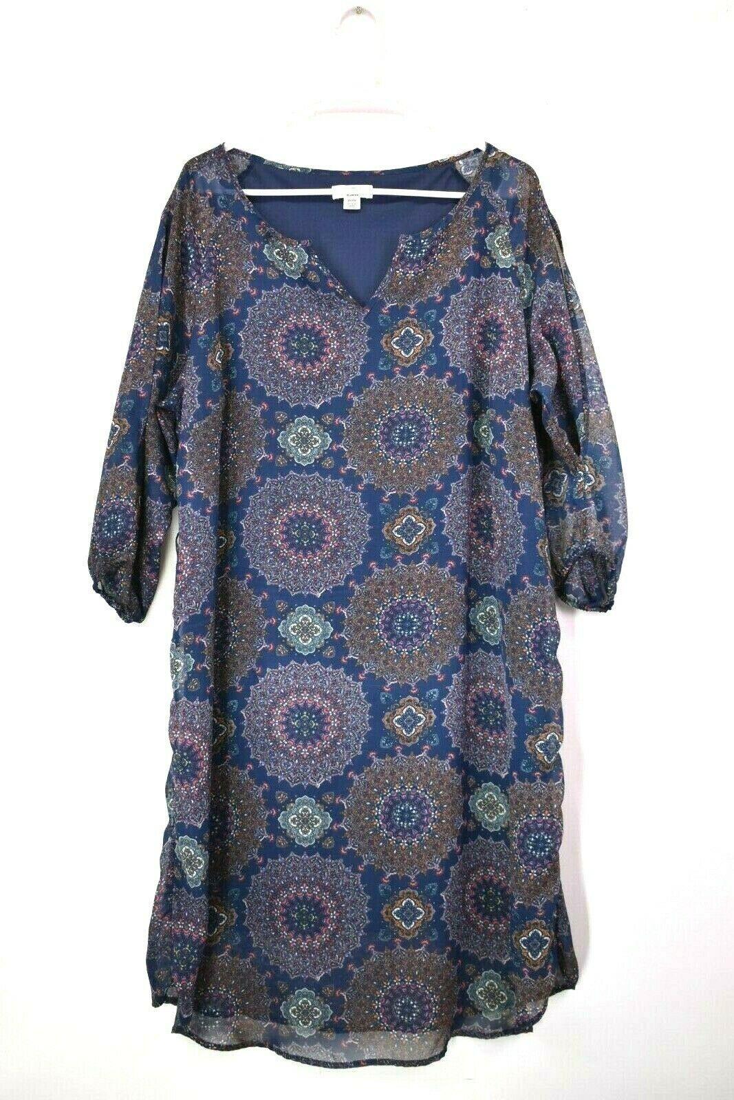 7f4a533cb9 Cato Women's Size 18/20W 3/4 Sleeve V-Neck Dress - $22.99