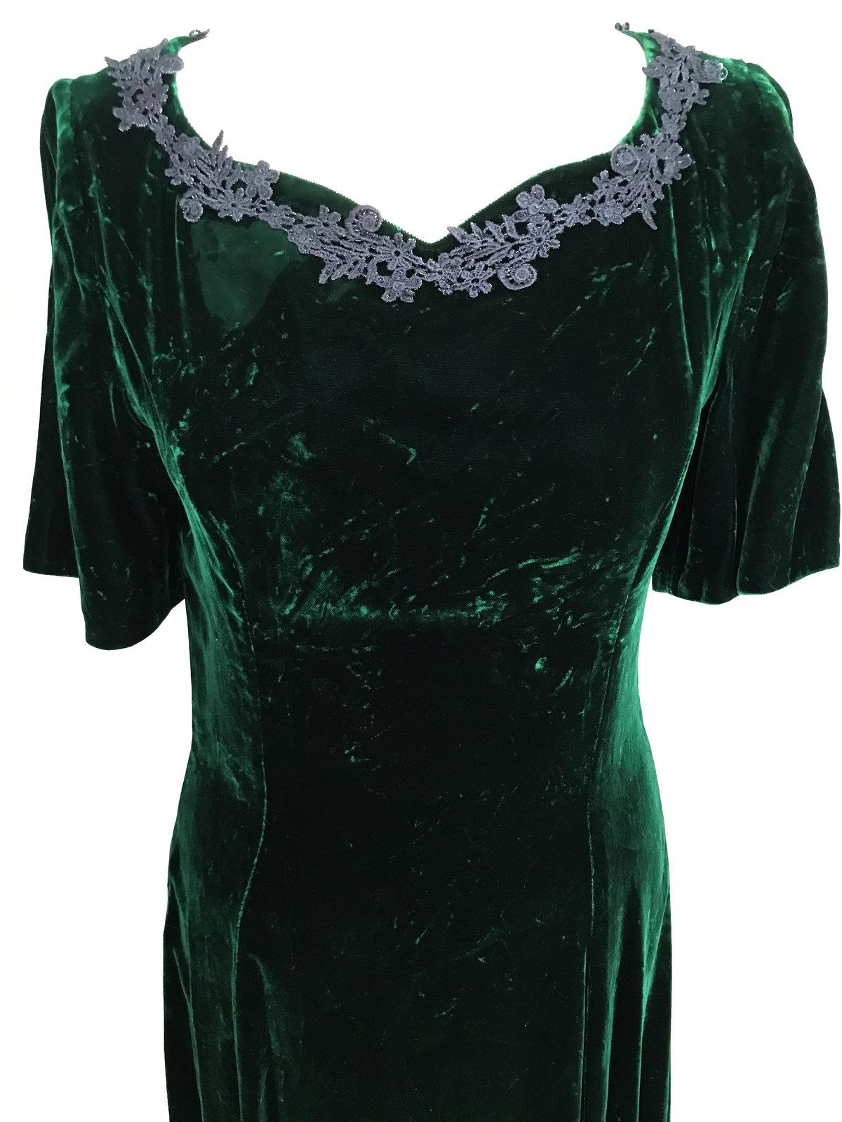 Vintage Crashed Velvet Forest Green Heart Shaped Crochet Lace Trimmed Full Lengt image 3