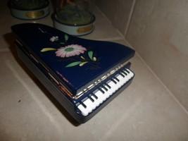 Lefton black alabester PianoTrinket Box Black W handpainted flowers.Italy - $13.79