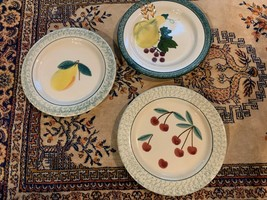 1995 HARTSTONE FRUIT SALAD CHERRIES PEAR BREAD DESSERT SET 3 PLATES 7.75... - $22.46