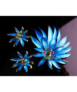 Fabulous 1950'S trembler set - Blue spider flower - Clip on earrings - e... - $225.00