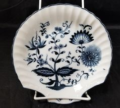 """Blue Onion Scallop Shell Bowls Set of 4 Clam Shell Plates 7""""×7"""" White, Swords image 7"""