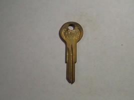 Vintage Star key blank for 1960-1962 Studebaker glove box/trunk LYJ1 L1122A Y101 - $7.00