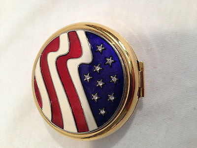 Estee Lauder AMERICA THE BEAUTIFUL FLAG Lucidity Powder Compact - NEW with Box