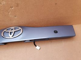 04-09 Prius XW20 Trunk Lift Gate Center Garnish Trim Panel Tag Light Cover (8S2) image 3