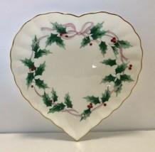 Mikasa Ribbon Holly Heart Dish Plate Christmas Holiday Gold Tone Trim - $14.84