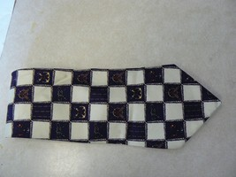 """Tommy Hilfiger 100 % silk tie 56 3/8"""" long 3 7/8"""" wide (1 available) - $8.86"""