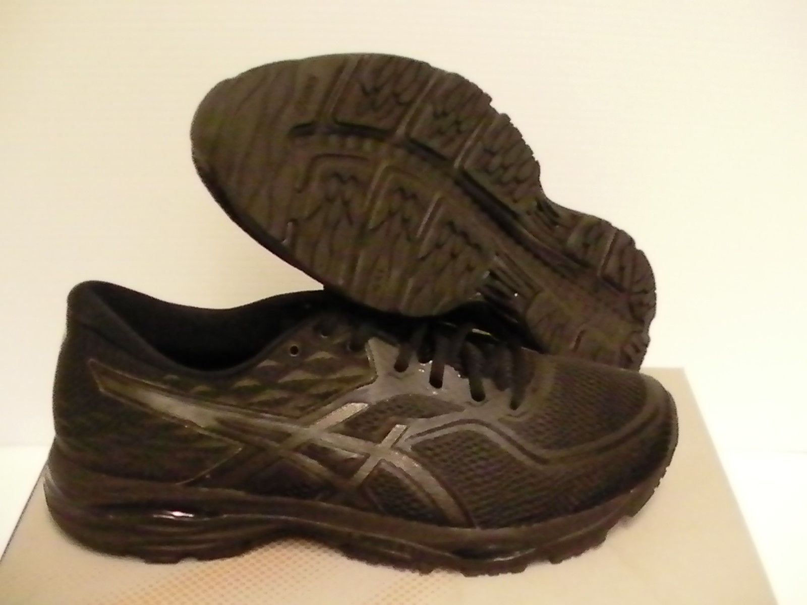 newest 2b814 6c4b2 Asics gel cumulus 19 running shoes black and 28 similar items. S l1600