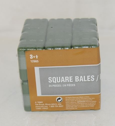 ERTL Tomy TBEK12665 Green Small Square Bales 24 Pieces