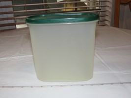 Tupperware Modular Mates Oval #3 green lid 7 1/4 Cups Food Storage Container*^ - $24.74