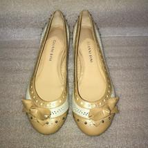 "Gianni Bini Ivory Beige 6M Balet Flats Faux Leather Shoes 1/2"" heels EUC - $13.99"