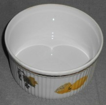 """Royal Worcester EVESHAM GOLD PATTERN 7"""" Souffle Bowl MADE IN ENGLAND image 2"""