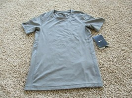 BNWT Nike Dri-Fit boy's active tee, grey, short sleeve, Size S, 810491, $25 - $9.90