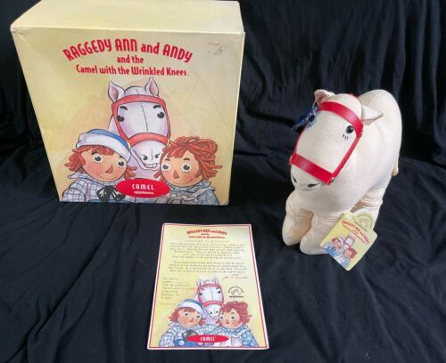 IOB Raggedy Ann and Andy Camel with Wrinkled Knees Applause Box C