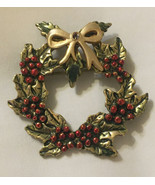 Vintage Christmas Wreath Pin Brooch Red Green Enamel Rhinestone Goldtone - $24.95
