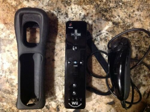 Nintendo Wii Motion Plus INSIDE Black controller with cover and nunchuck