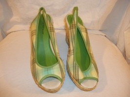Ladies Size 10 M  Montego Bay Club Green Plaid Open Toe Wedge Sandals Shoes - $24.74