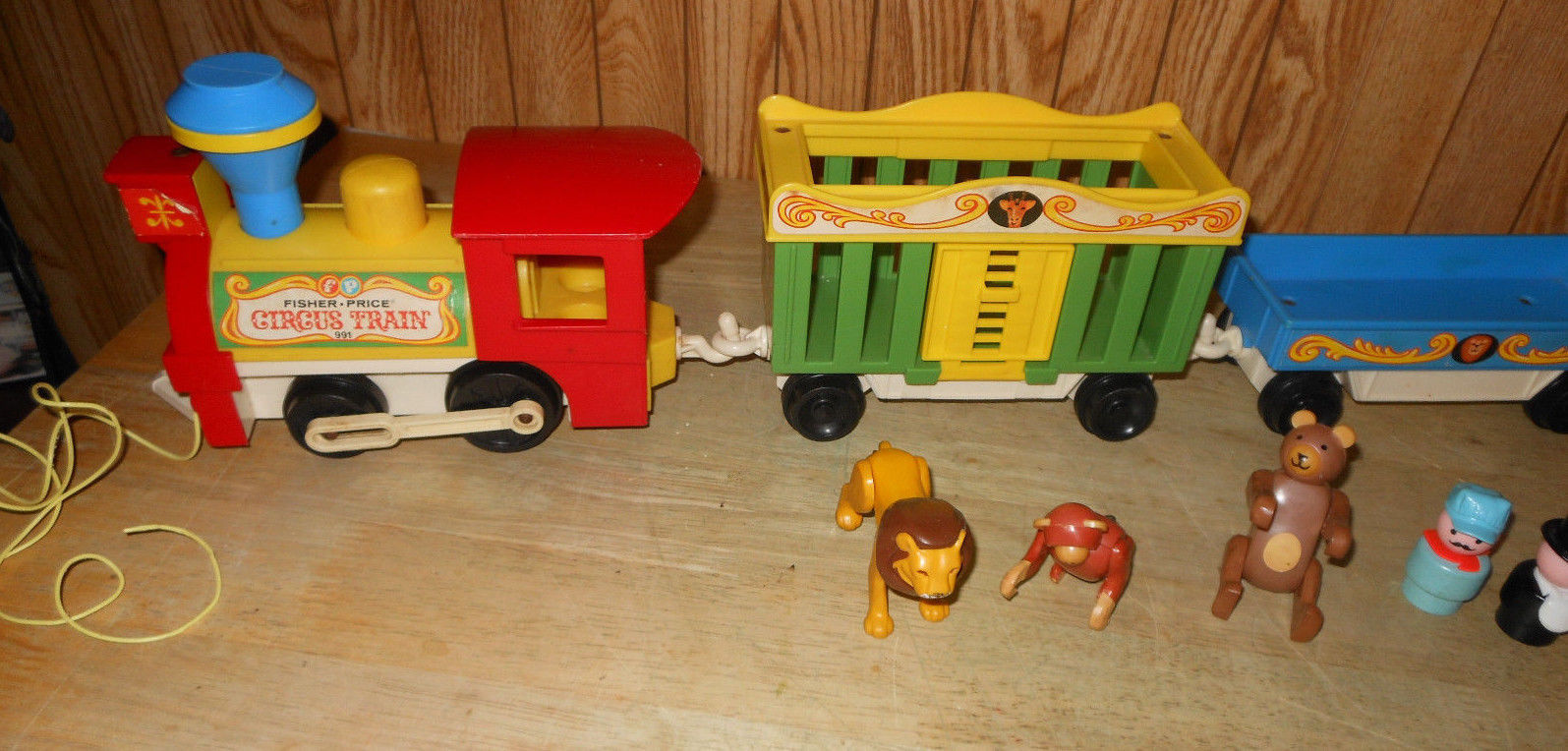 vintage fisher price little people circus train with. Black Bedroom Furniture Sets. Home Design Ideas