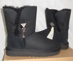 UGG Lilou Black Bailey Button Charms Suede Short Boots Size US 5 NIB #1013850 - $108.89