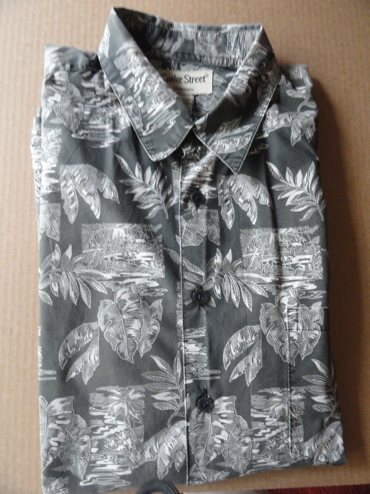 b5dba2be S l1600. S l1600. Previous. Man's Gray White XL Banana Leaf Print Hawaiian  Shirt Cooke Street Honolulu