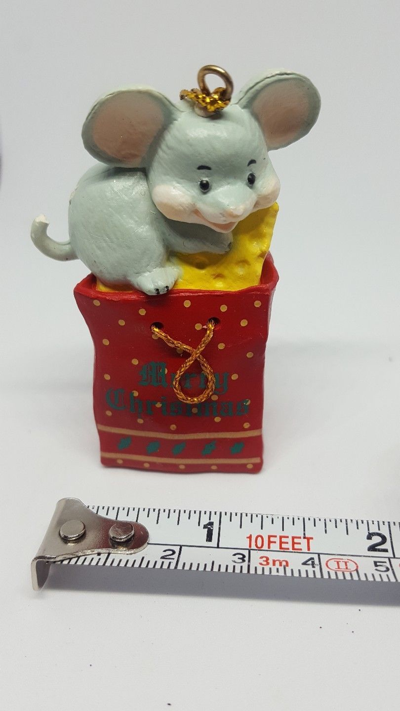 Christmas Ornament ~ cute little Mouse with Cheese pre-owned - $15.79