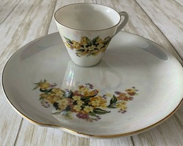 Vtg Napco Hand Painted Iridescent Yellow Floral Snack Cups And Plates Se... - $19.79