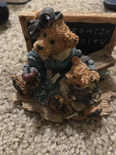 BEARS RESIN FIGURES MISS BRUIN &BAILEY —332
