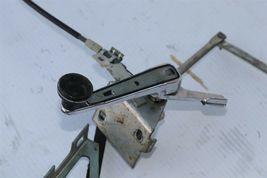 Mercedes R107 560SL Convertible Top Tonneau Cover Crank Release Latch Mechanism image 4