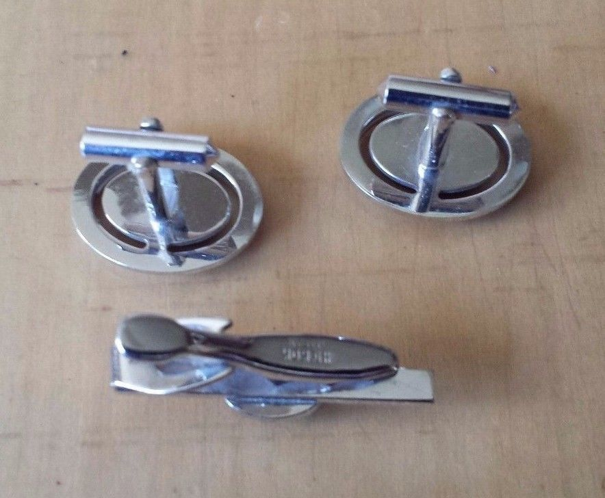 """Hickok Japan Silver Tone Brown Stone Cufflinks and Tie Clasp 5/8"""" x 3/4"""""""
