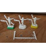TUDOR ELECTRIC FOOTBALL QB/ Kicker + Yard Marker LOT 3 White Kickers QB1... - $18.81