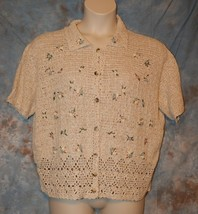 Womens Floral Embroidered Koret Short Sleeve Sweater Size Large excellent - $7.91
